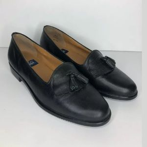 Selby Womens Tassled Black Leather Moc Fit Loafers